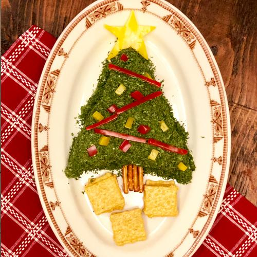 Christmas Cheese Ball.Christmas Tree Cheeseball
