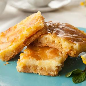 Lemon Cheesecake Gooey Bars